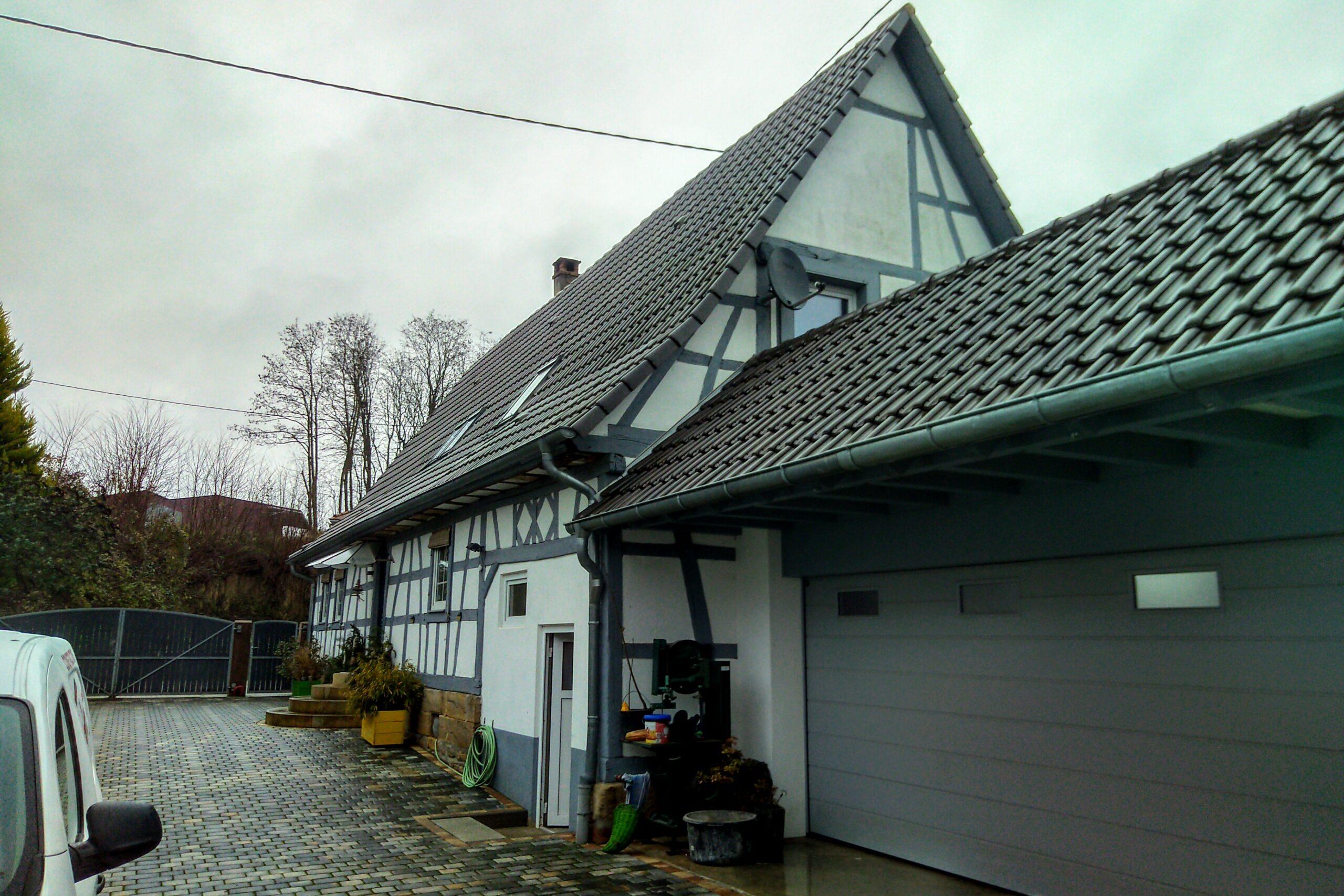 Hofbereich und Garage